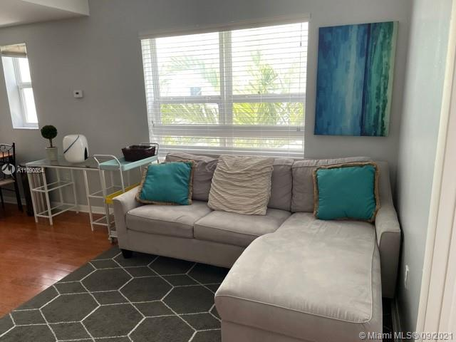 1542  Drexel Ave #305 For Sale A11090854, FL