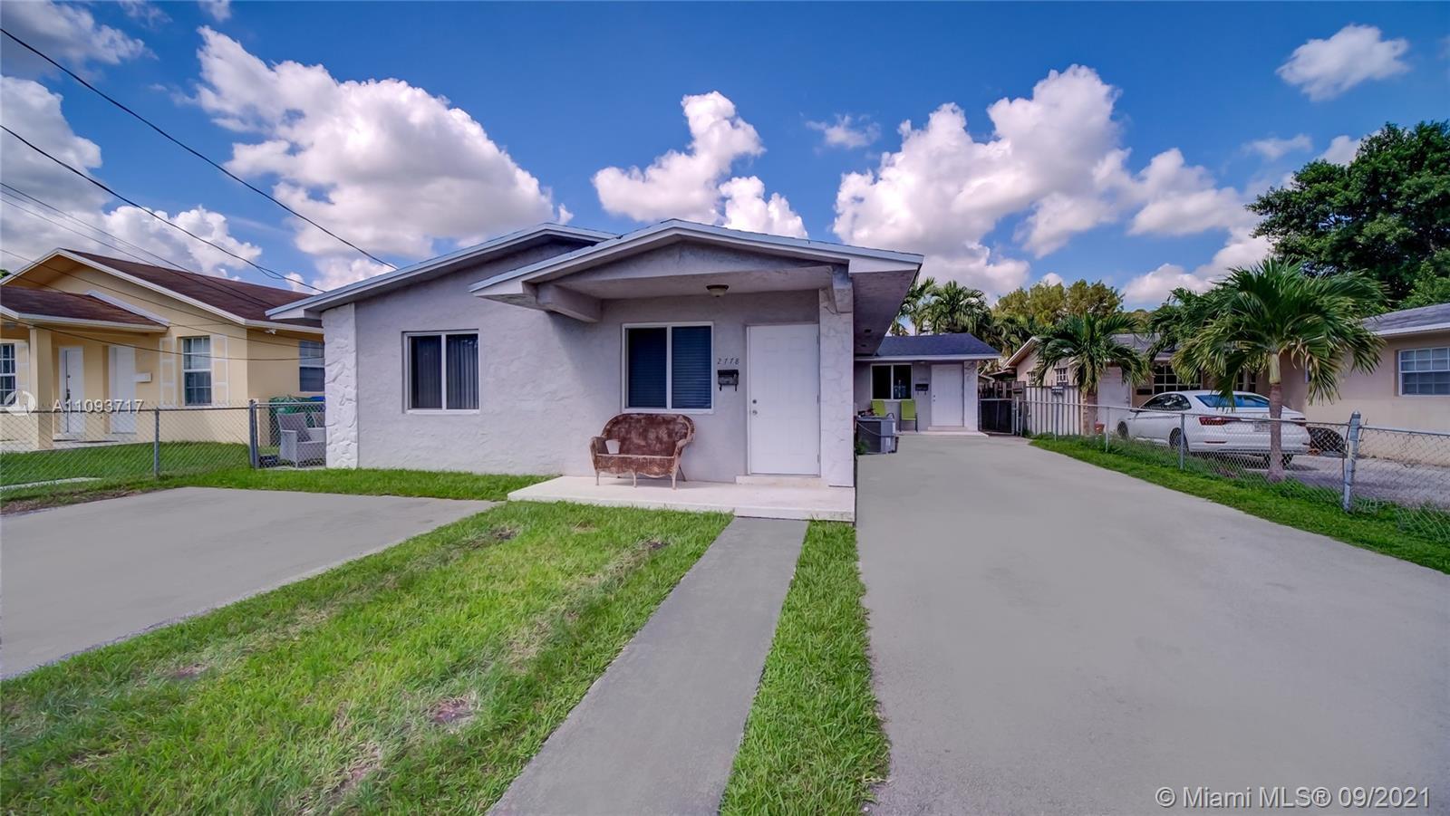2778 SW 31st Pl  For Sale A11093717, FL
