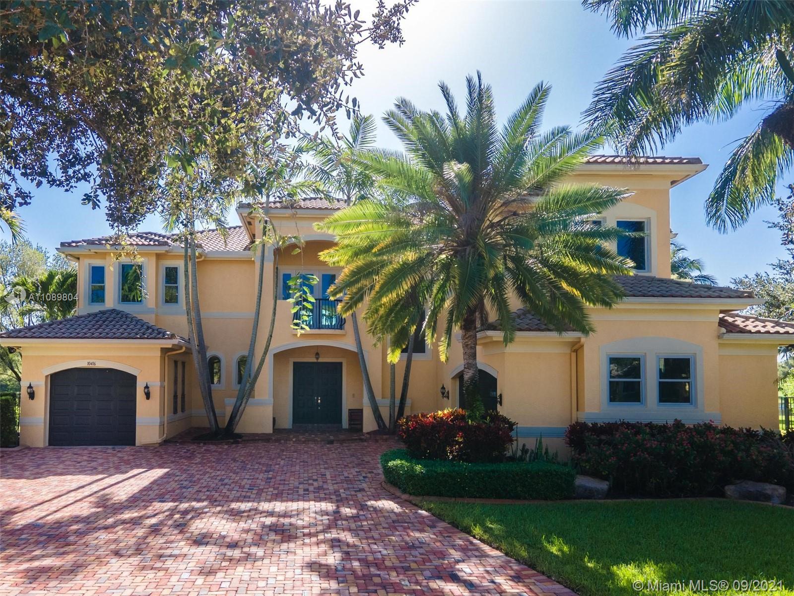10416 Canterbury Ct, Davie, Florida 33328
