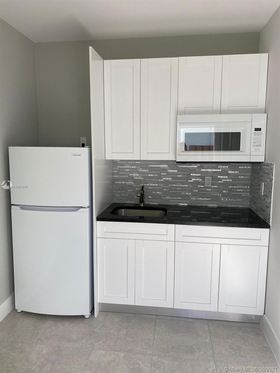 Brand new efficiency with private entrance in a quiet neighborhood; close to South Dixie Highway & the turnpike. Spacious dining & kitchenette area, one bedroom with wall to wall closet with lots of shelves, large bathroom with additional shelving & modern shower.Light, water & internet included. Property will be ready for move in October 1.