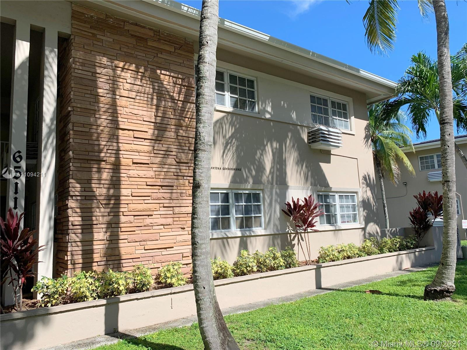 Condo for sale in Coral Gables! 1 bedroom/1 bath unit on the first floor.  Tiled floor, updated kitchen and bath. Walk to UM, Publix, Whole Foods, downtown South Miami, and much more!! Great investment opportunity or place to call home!! Call me for a showing! Best priced in the area!