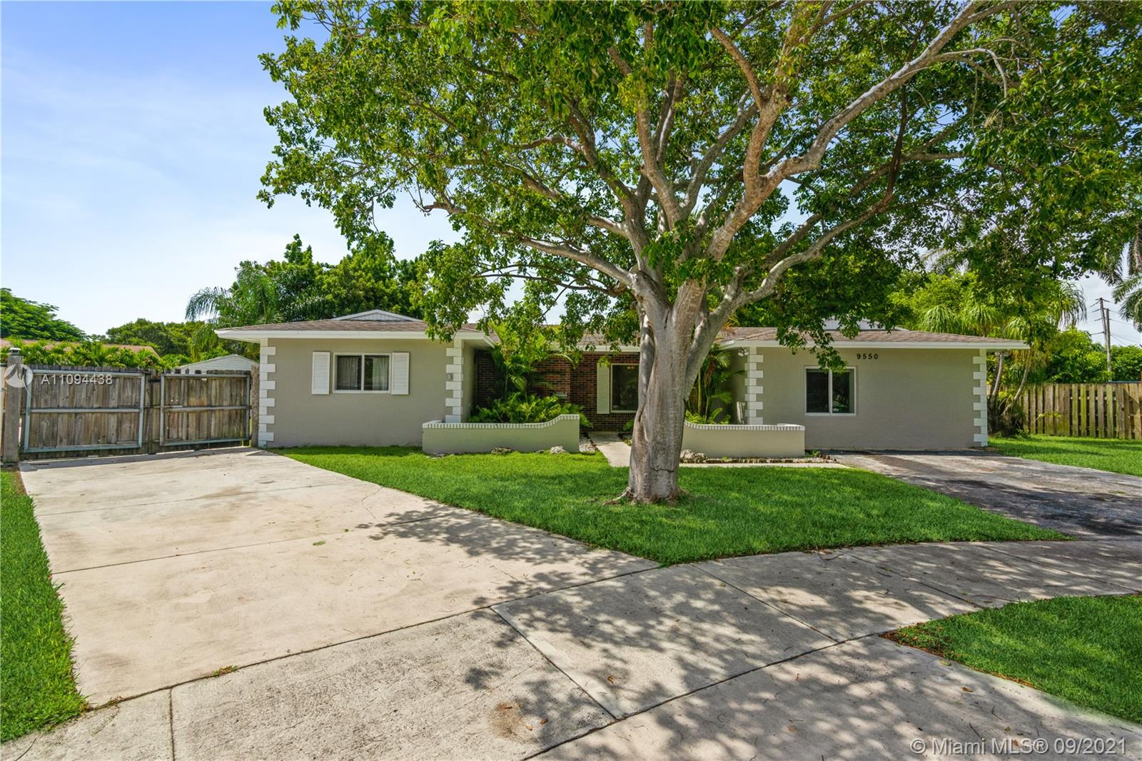 9550 SW 188th Ter  For Sale A11094438, FL