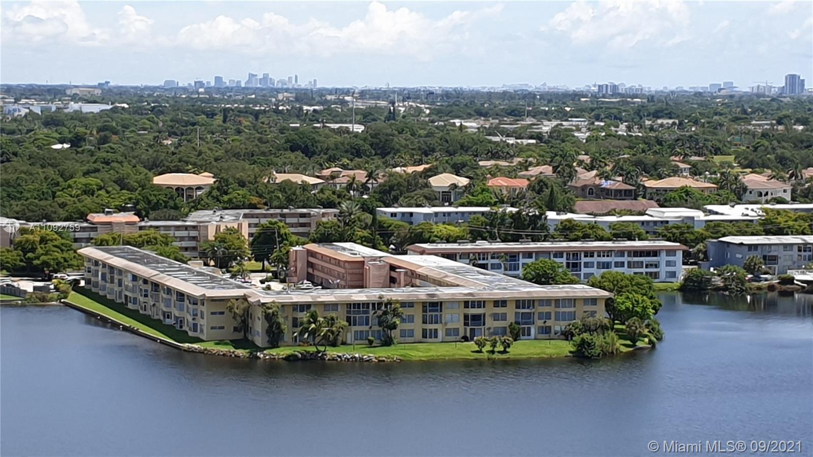 Buckley Towers, 1301 Ne Miami Gardens Dr #31