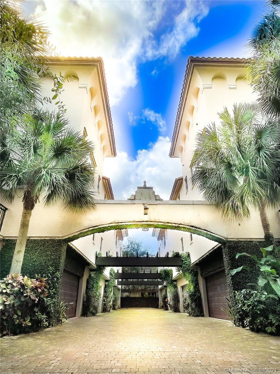 2814  Coconut Ave #2814 For Sale A11094738, FL