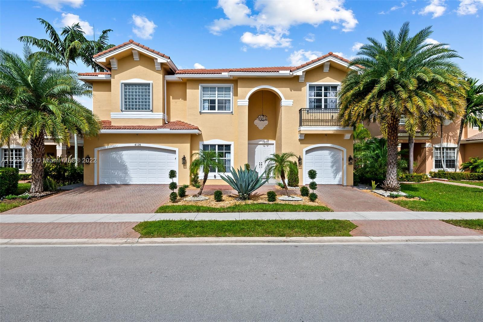 4128 SW 183rd Ave  For Sale A11094360, FL