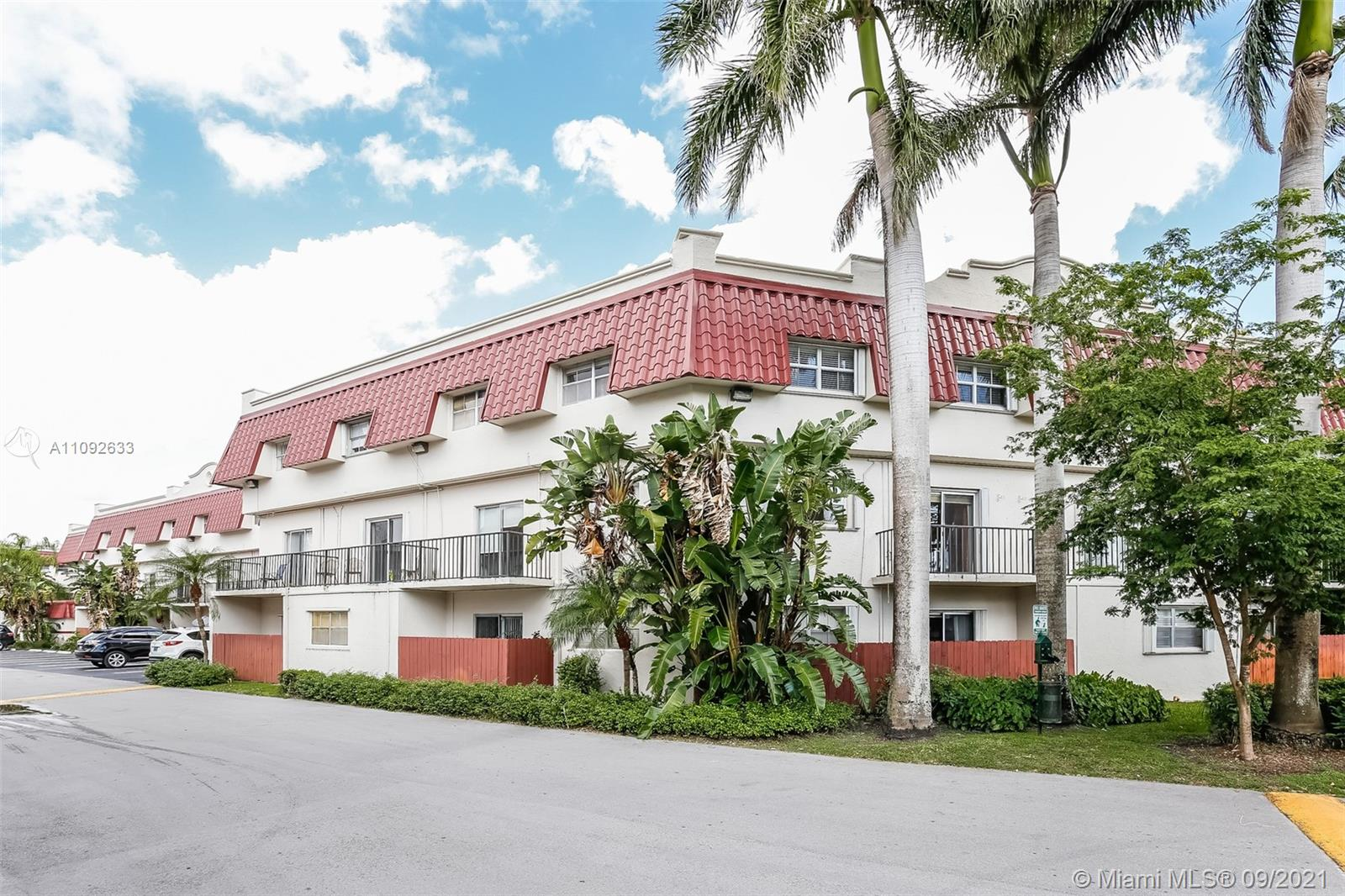 PRIME LOCATION! VILLAS OF PINECREST AT ITS BEST! REMODELED 2 STORY TOWNHOUSE/CONDO, 3 BED/2.5 BATHS, OPEN BALCONY, NEW TILE THRU-OUT. WOOD KIT. CABINETS. UPSCALE IMPORTED CUSTOM MADE STAIRWAY. NEWER WINDOWS, ACCORDION STORM SHUTTERS, A/C & STACKABLE WASHER/DRYER LIKE NEW. COMMUNITY POOL, EXERCISE RM, GUARD GATED, 24 HR SECURITY, TENNIS COURTS…MINUTES TO SHOPPING, RESTAURANTS, UNIV. OF MIAMI, METRORAIL, & MORE. CLOSE TO BEST SCHOOLS OF PINECREST. A RARE FIND!