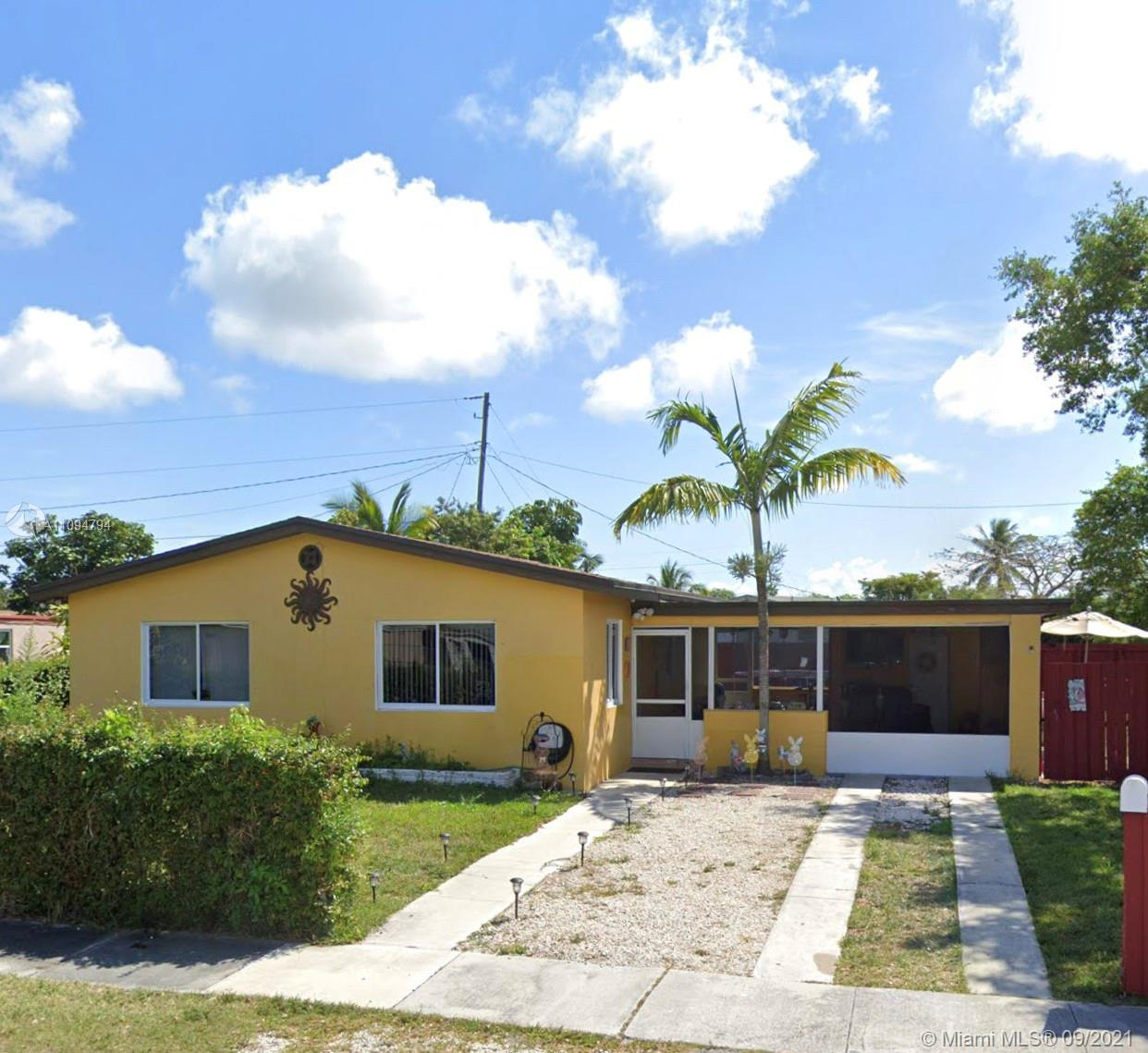 """Amazing opportunity to own a 3/1 single family home; Well maintained, a corner lot;  with a huge backyard for a pool or a boat.  completely fenced. centrally located in Cutler Bay, near shopping malls, schools, US 1, and turnpike.   """"COME TAKE A LOOK BEFORE IT'S GONE"""""""