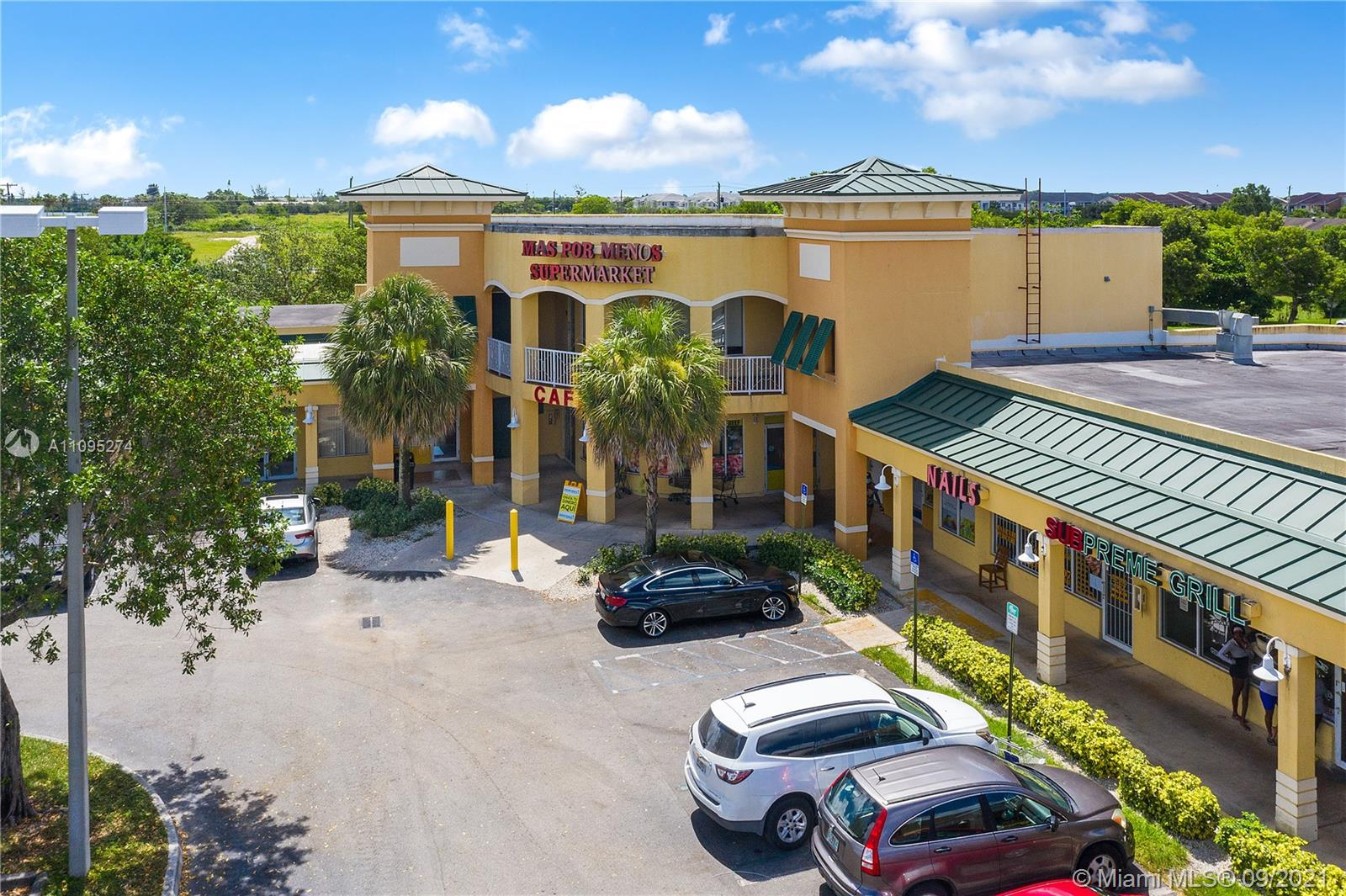 PROPERTY OVERVIEW • Total Building Size: 30,316 SF • Zoning: BU-1A • Parking Ratio: 4.00/1,000 SF • Newest and best maintained property in the area • Flexible lease terms available • Great visibility from US-1