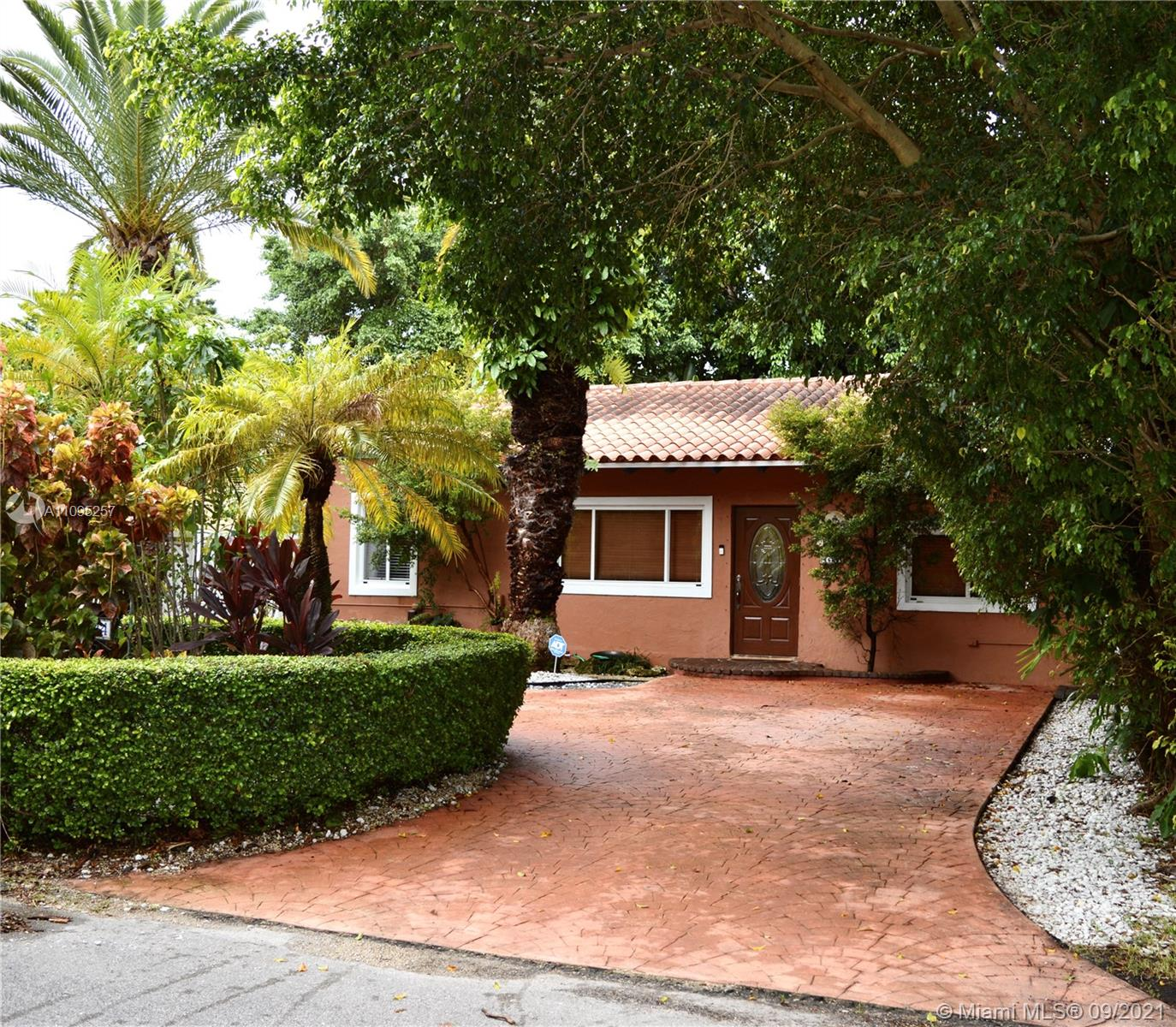 4624 SW 11th St  For Sale A11095257, FL