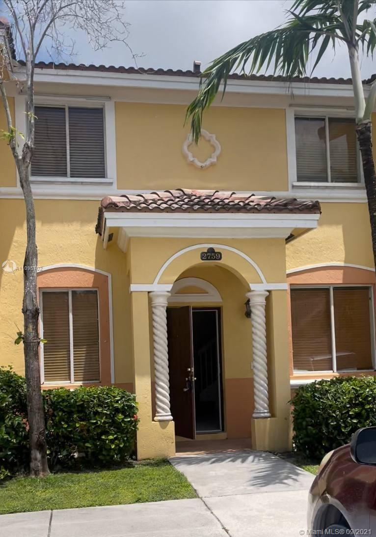 Lakefront, upgraded kitchen, new washer and dryer, freshly painted, new carpet upstairs, 3 bdrm townhome at desirable community in Homestead. Quick access to turnpike and 20 minutes from Key Largo. Make this your home! Easy to show