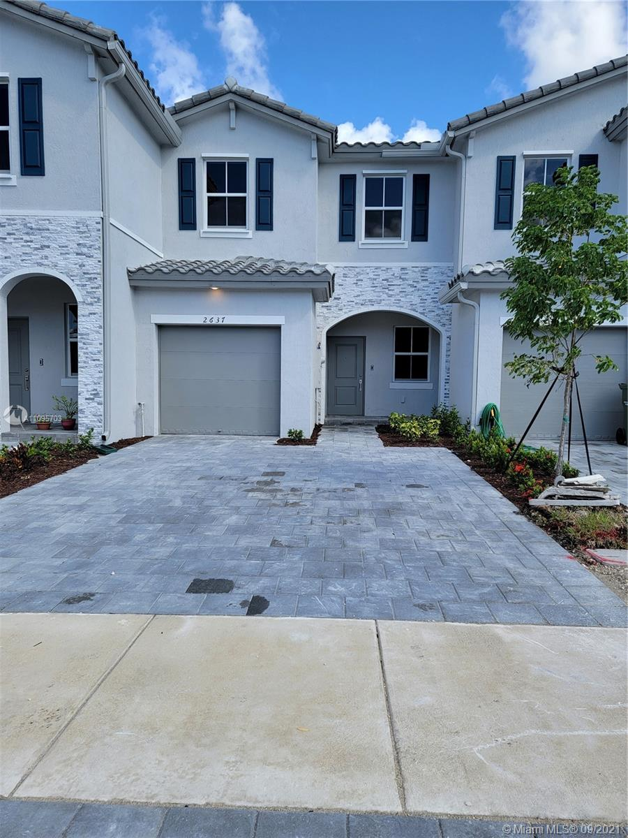 Brand New unit in Keys gate this 3/2/1 comes with a spacious back yard includes a 1 car garage, comes with a spacious back yard. 1st month, last month plus 1 month of deposit.