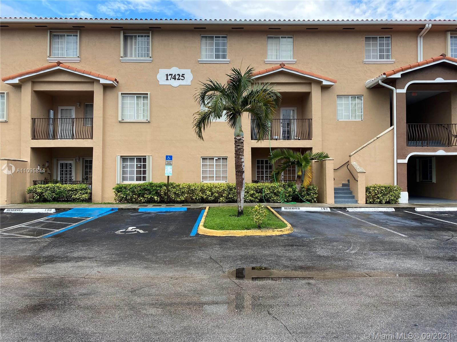 17425 75th Pl Unit 105, Hialeah, Florida 33015