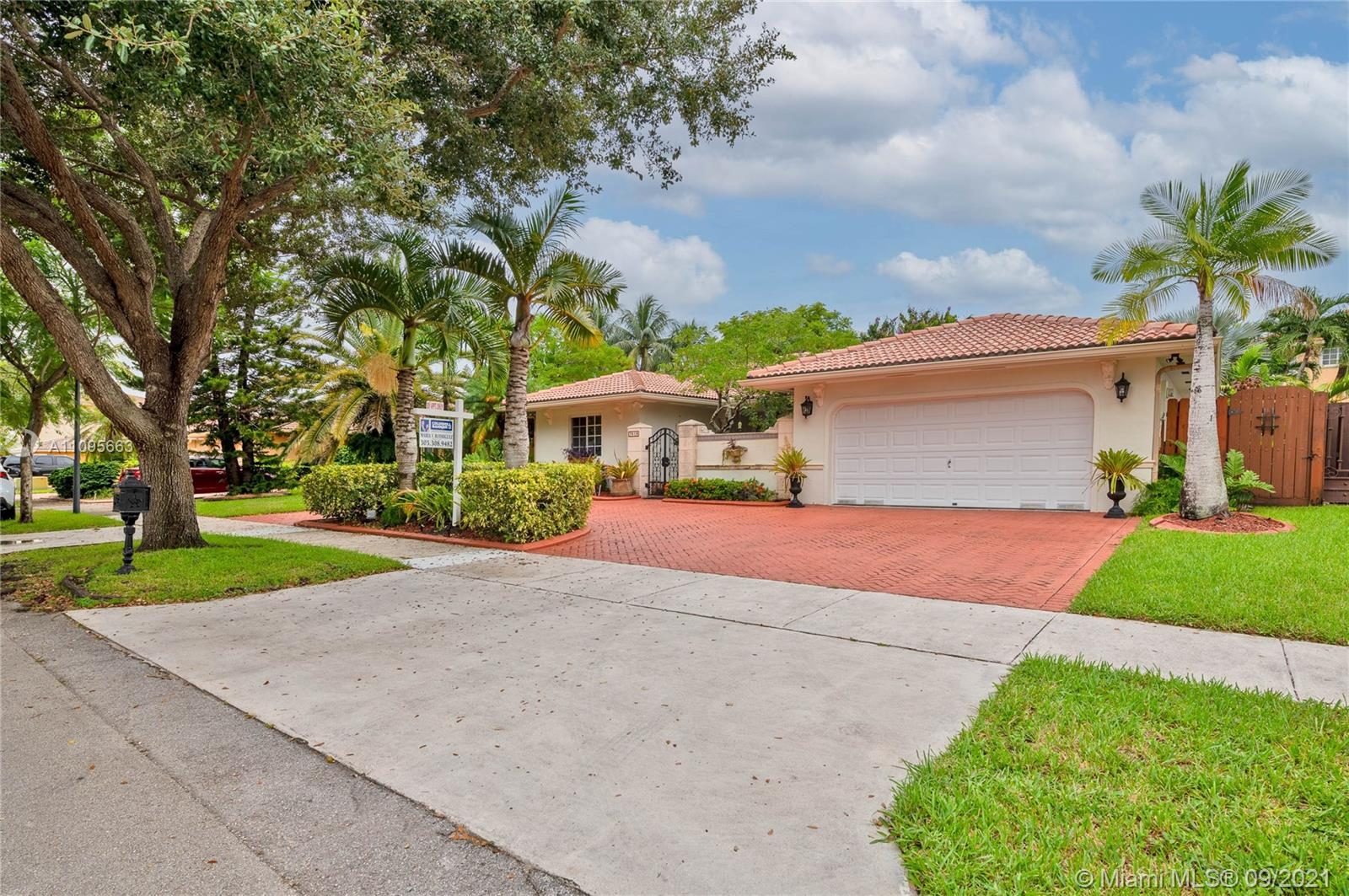 7819 NW 166th Ter  For Sale A11095663, FL