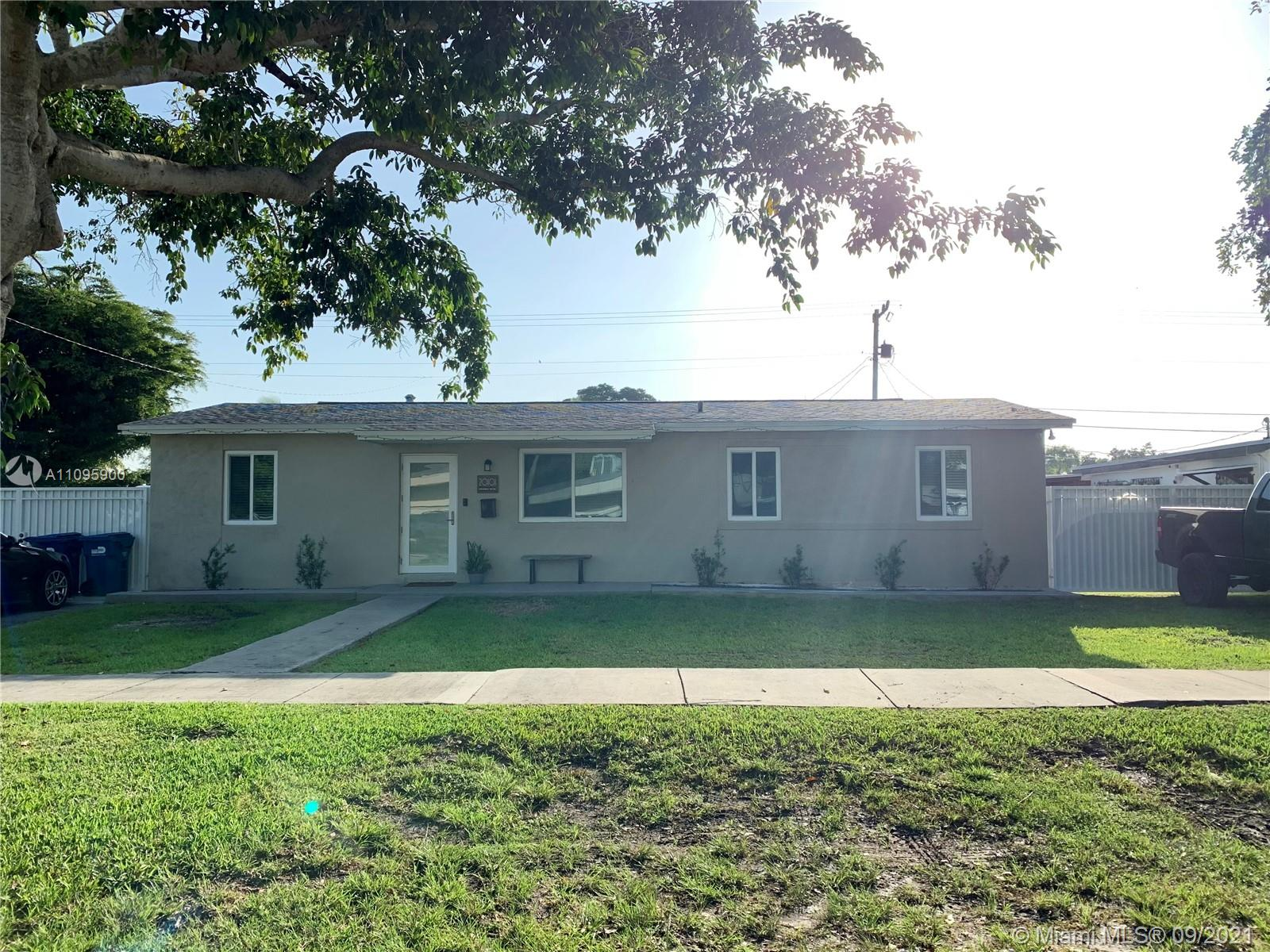 Newly renovated 3 bedroom 2 bath home. Plenty of yard space for boats, Rv, and cars. Please contact agent for showing instructions.
