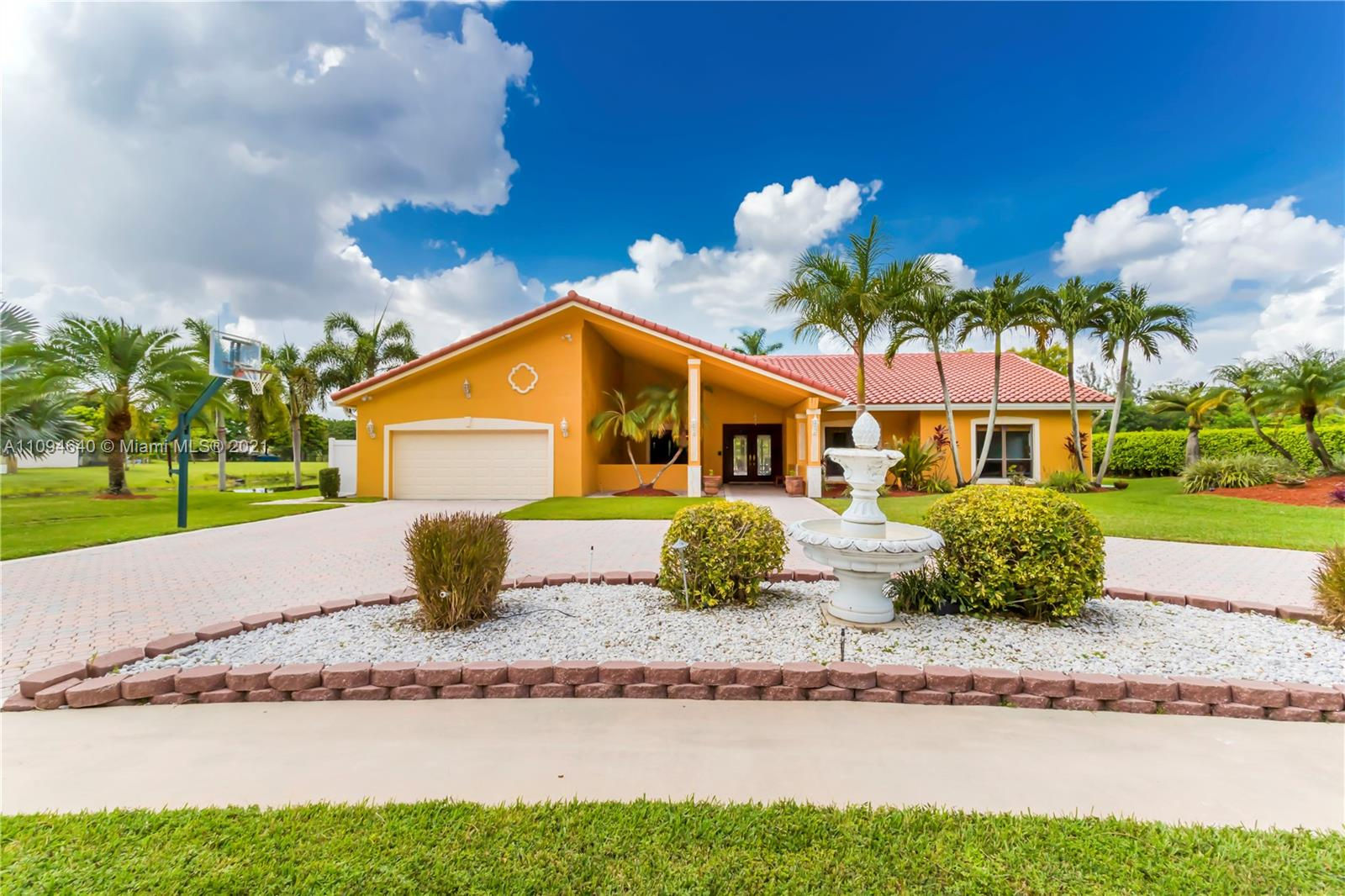 501  Ranch Rd  For Sale A11094640, FL