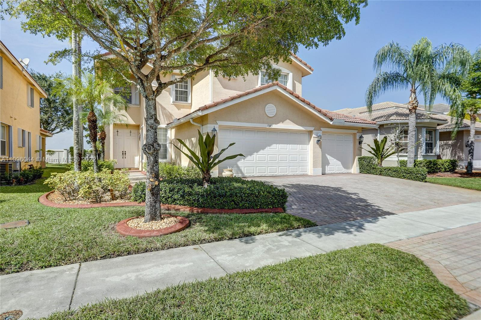 17413 SW 47th Ct  For Sale A11096044, FL