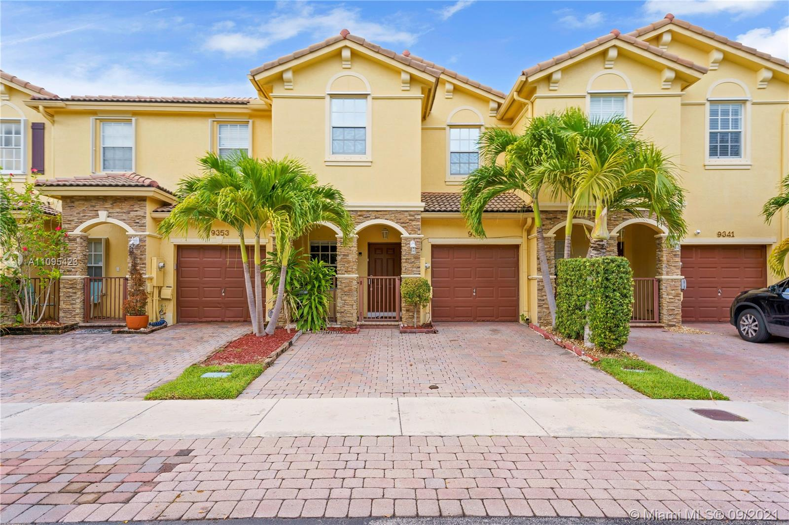 Beautiful two story remodeled townhome in Cutler Bay near Black point Marina where very popular restaurants such as Red Fish grill by Chef Adrianne. Fully remodeled 3 bed 3 bath home with open concept. Spacious bedrooms with large patio perfect for hosting barbecues with family and friends.