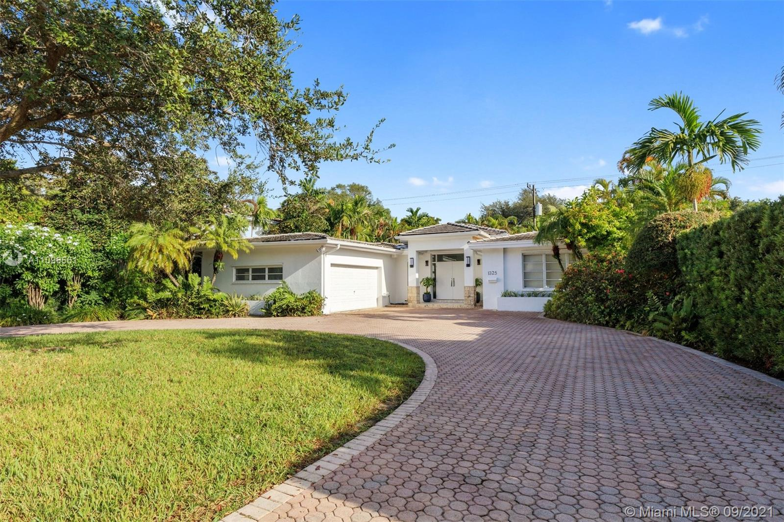 1325  Blue Rd  For Sale A11096561, FL