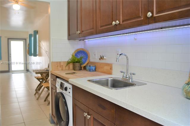 543  Meridian Ave #6 For Sale A11095622, FL