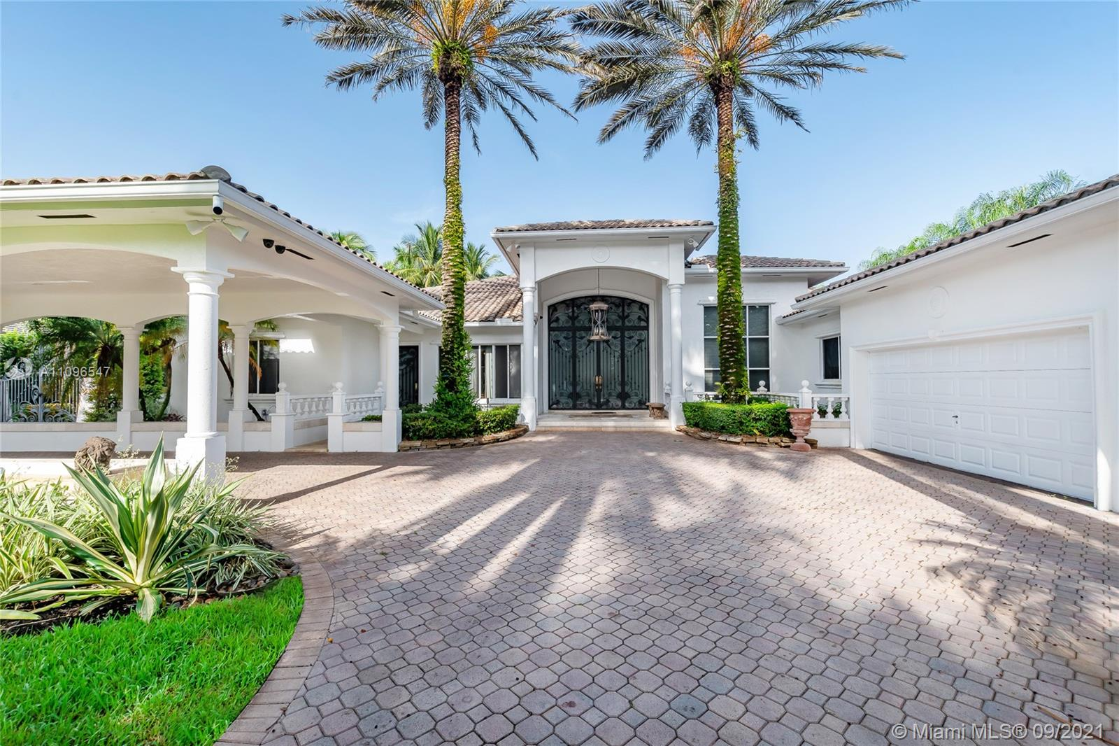 10100 SW 92nd Ave  For Sale A11096547, FL