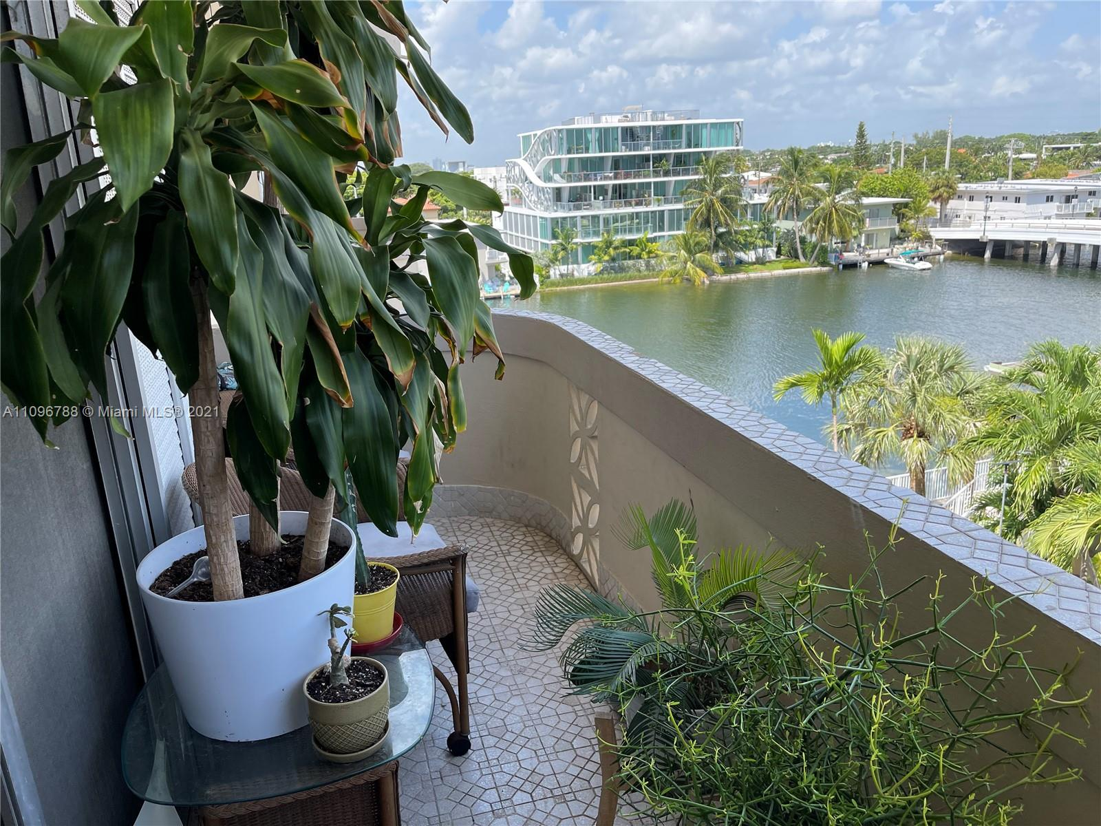 8400  Byron Ave #5E For Sale A11096788, FL