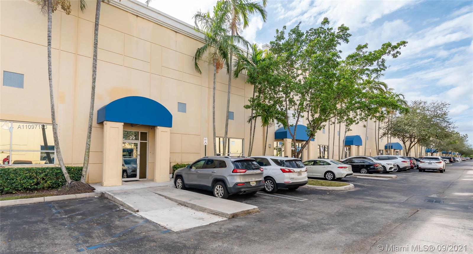 5900 NW 97th Ave #C-22 For Sale A11097183, FL