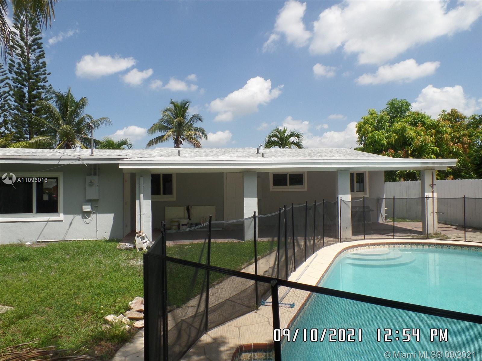 6860 Tyler St, Hollywood, Florida image 4
