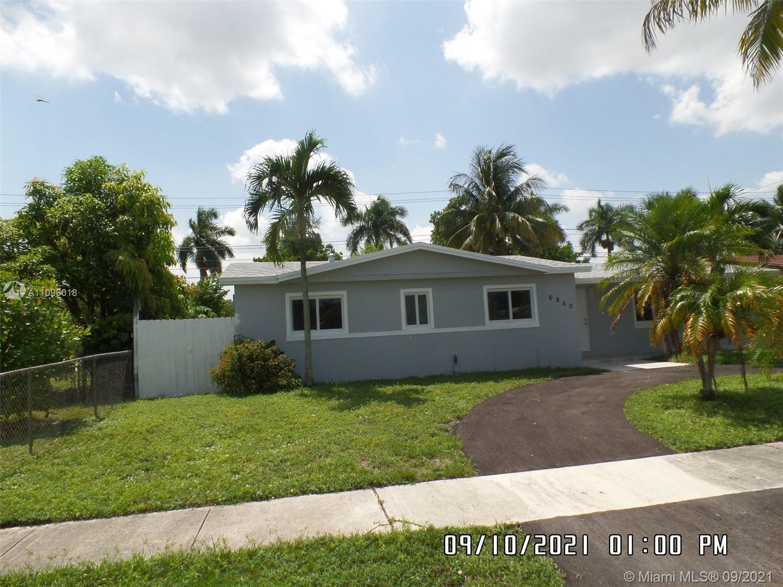 6860 Tyler St, Hollywood, Florida image 2
