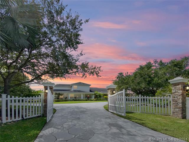 17810 SW 52nd Ct  For Sale A11097286, FL
