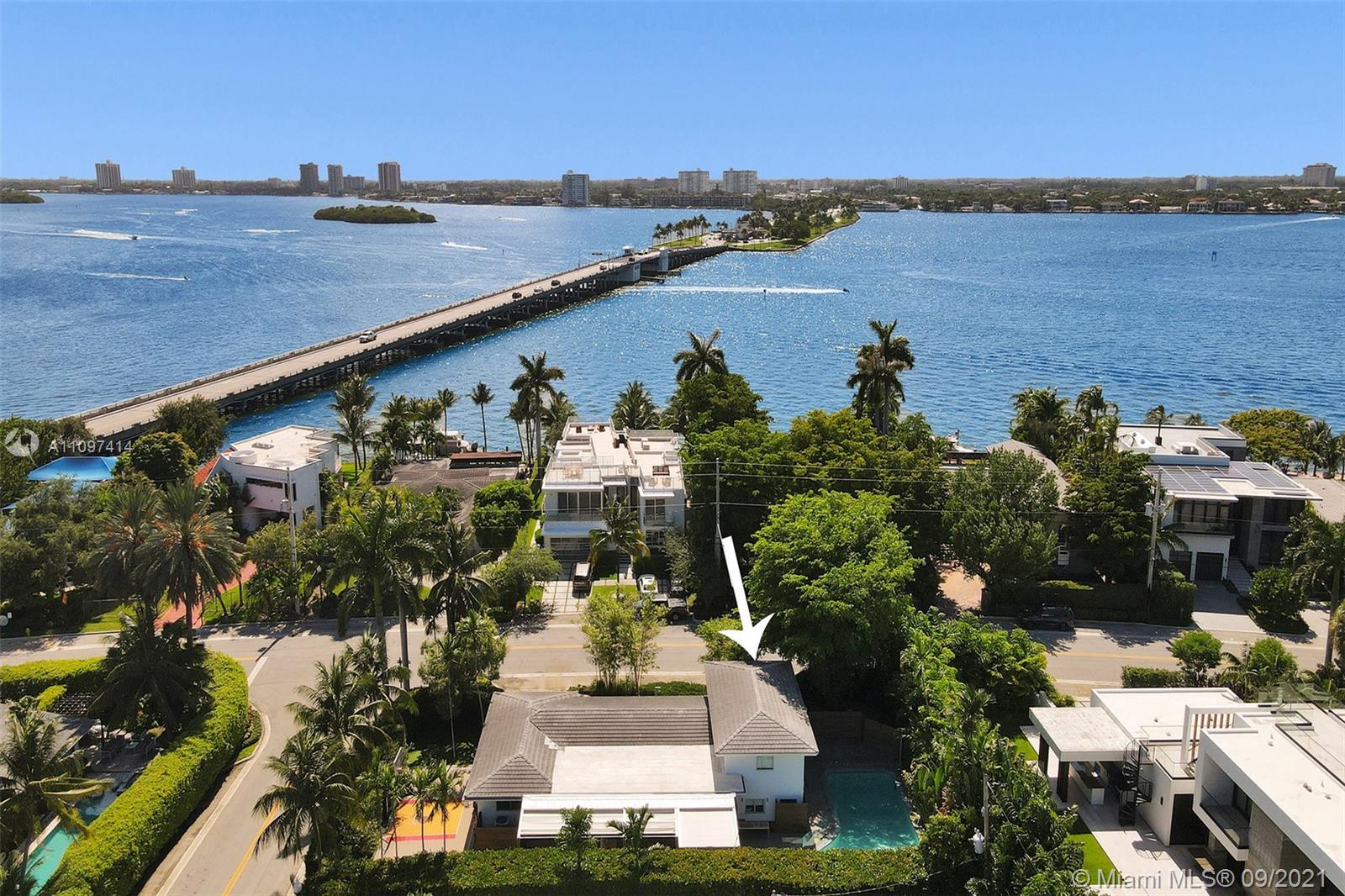 9701 W Broadview Dr  For Sale A11097414, FL
