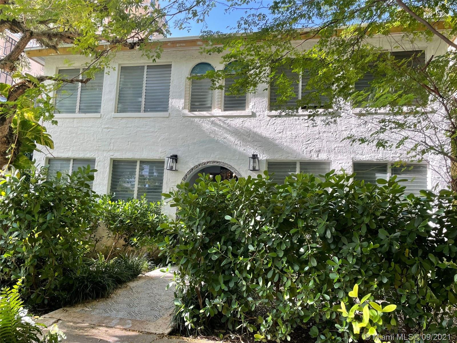 Beautiful apartment 1/1 located in 2ND floor, in the best area of Coral Gables on a tranquil street. Completely remodeled and ALL NEW. Impact windows. Restaurants, parks, A+ school, Publix supermarket close by. Excellent neighborhood. Also walking distance to the Metrorail Station. NO HOA!!!! The washer and dryer in the first floor.