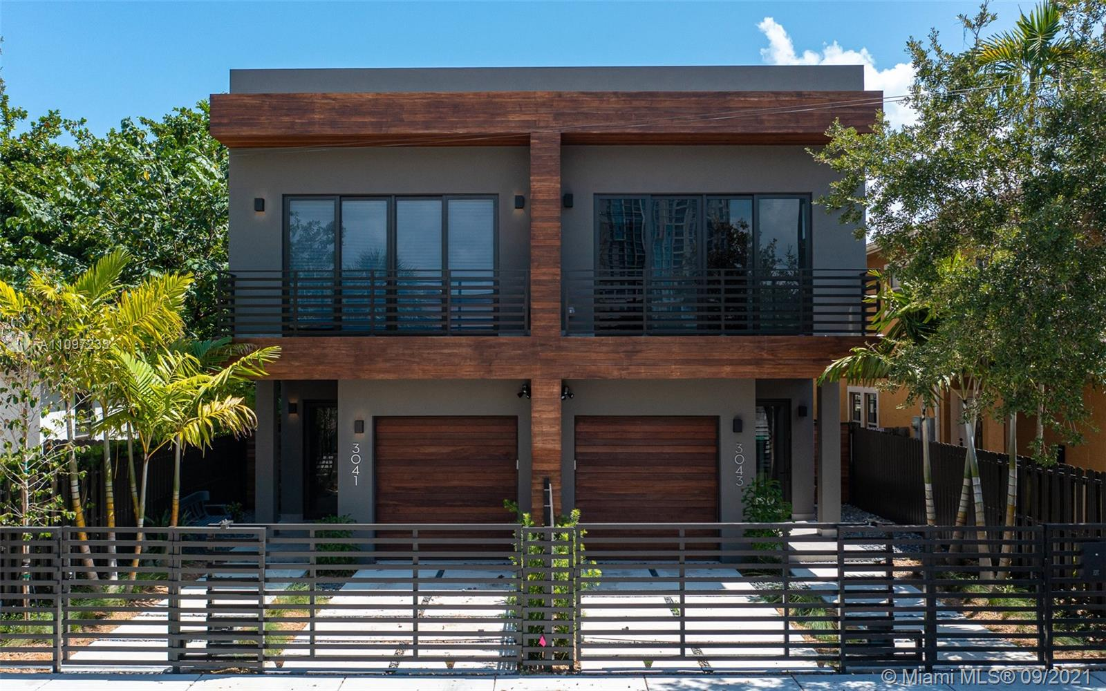 3041  Hibiscus St #B For Sale A11097233, FL