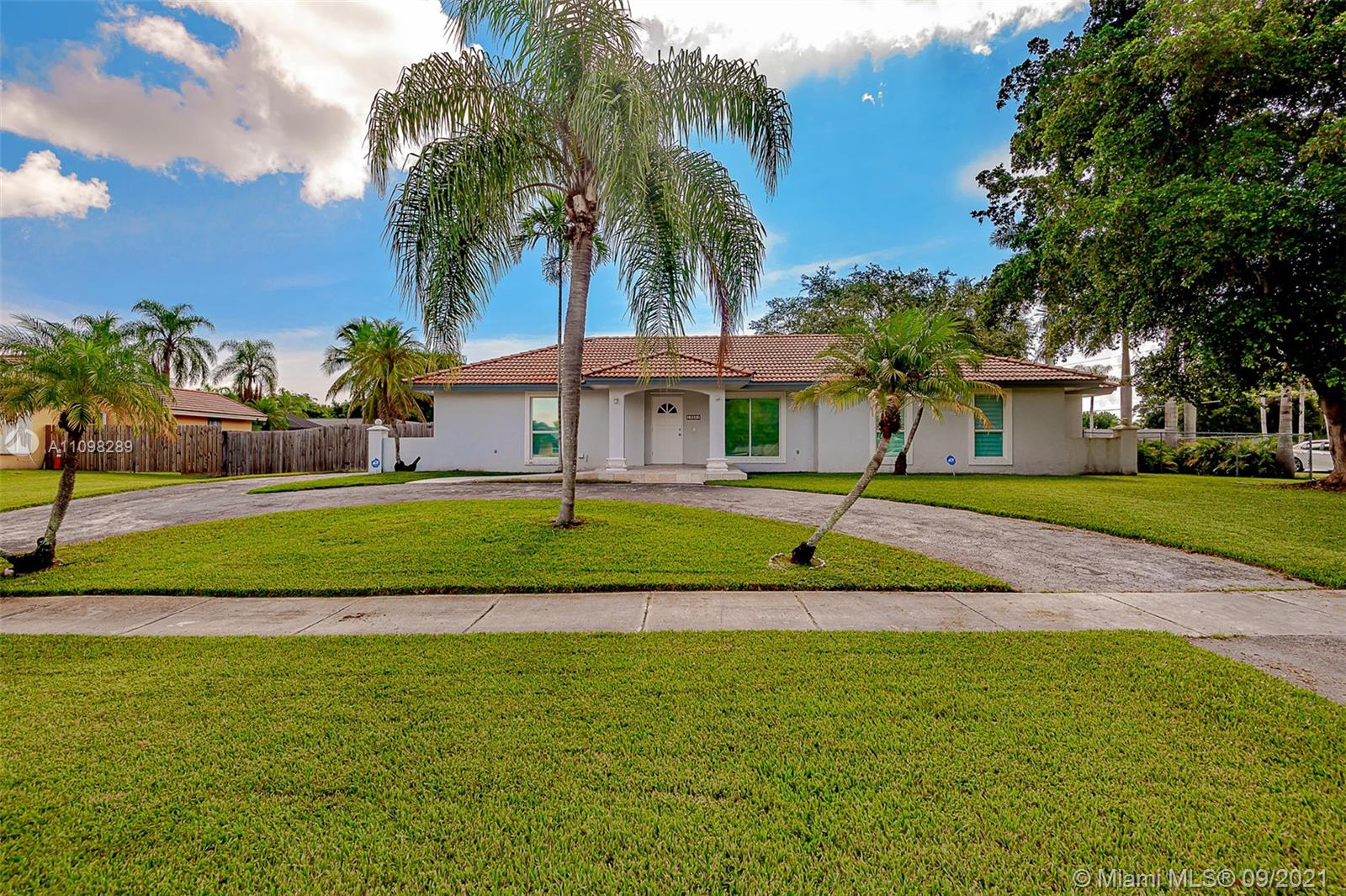 18341 SW 87th Ave  For Sale A11098289, FL
