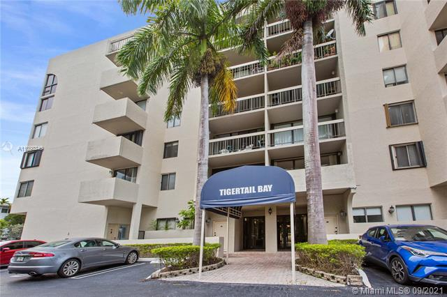 Totally remodeled and new appliances, new kitchen, new bath,  1 bedroom apartment in the heart of Coconut Grove. Secure and gated building with one assigned parking space in front of the unit and lots of guest parking. walking distance to Cocowalk, shops, restaurants. bay, park.  BE IN CENTER GROVE!!