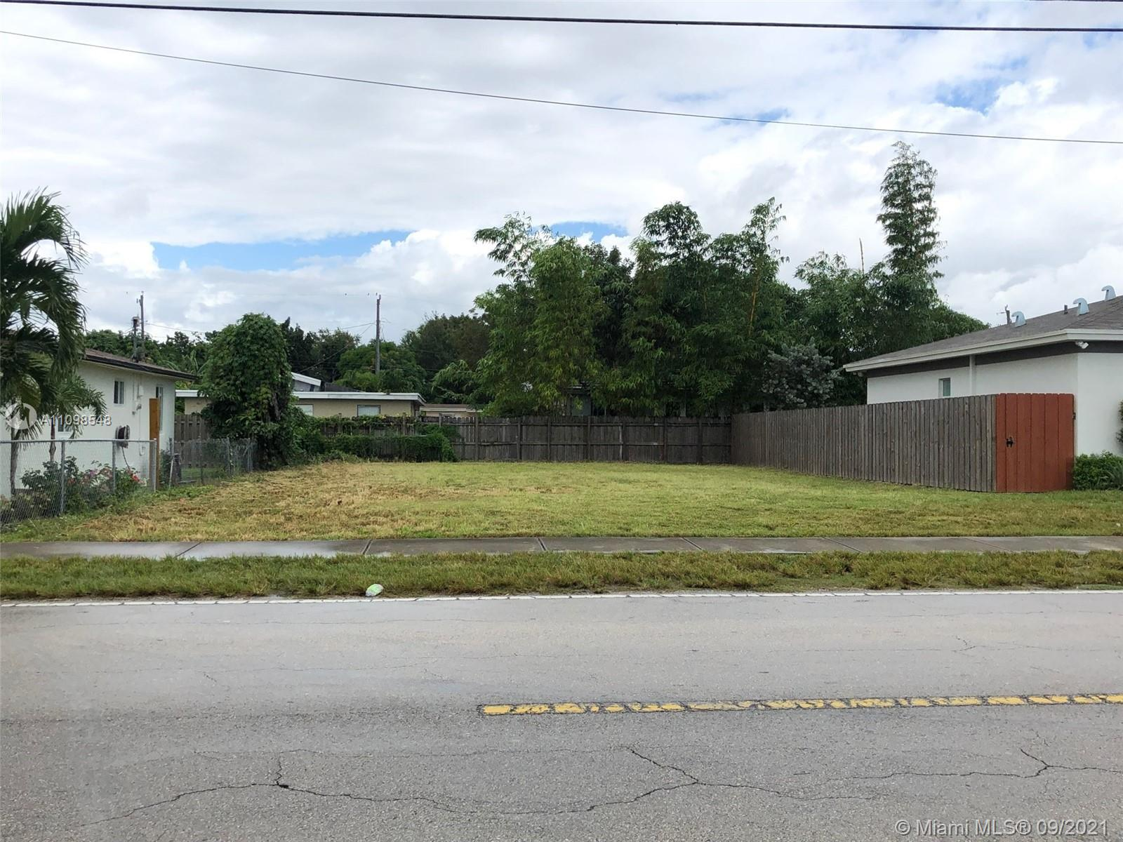 8827 SW 128 ST  For Sale A11098548, FL