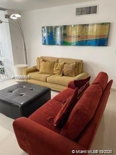 5005  Collins Ave #318 For Sale A11098565, FL