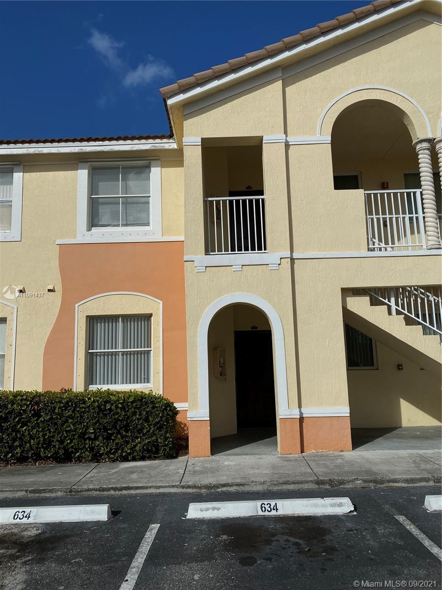 Bright 3 bedroom 2 bath apartment on the second floor. Tile floors. Washer and dryer inside the unit. Lots of parking. Security guard 27/7. Two pools.