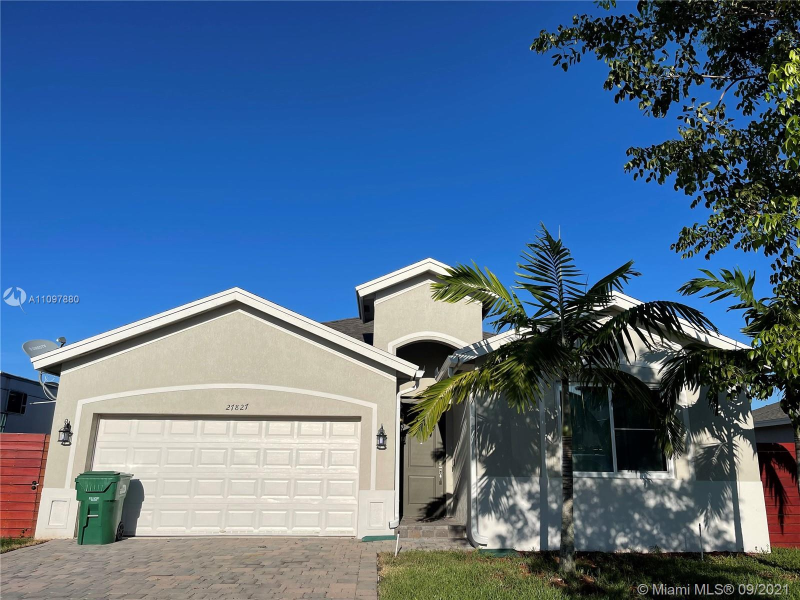 BEUTIFULL HOUSE 2018.Move in ready 4 bed 2 bath home,  tile floors, new laminate wood floor on bedroom. Large master bedroom with two closets, master bathroom features separate tub and shower. THE POOL OUTSIDE  STAYS, NO HOA. See showing intruction.