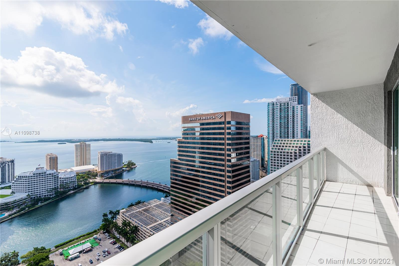 BEAUTIFUL SUB-PENTHOUSE ON THE 41 FLOORS WITH AMAZING VIEWS OF MIAMI RIVER, OCEAN AND BRICKELL CITY VIEW, WITH 3 BEDROOMS AND 3 BATHROOMS. 2 MASTER SUITE W/HUGE WALKING CLOSETS, WATER VIEWS FROM EACH ROOM AS WELL, RARE TO FIND ,WALKING DISTANCE TO ALL THE RESTAURANT AND MALL BRICKELL CITY CENTER, VERY BRIGHT UNIT. ITALIAN KITCHEN, GRANITE COUNTER TOP. TOP OF THE LINE APPLIANCES.ACCESS TO THE ROOF TOP OF THE BUILDING.NEW FRIDGE, NEW BLACKOUT SYSTEM, NEW AC, NEW WASHER & DRYER, NEW BACKSPLASH NEED TO SEE IT....CALL NOW....
