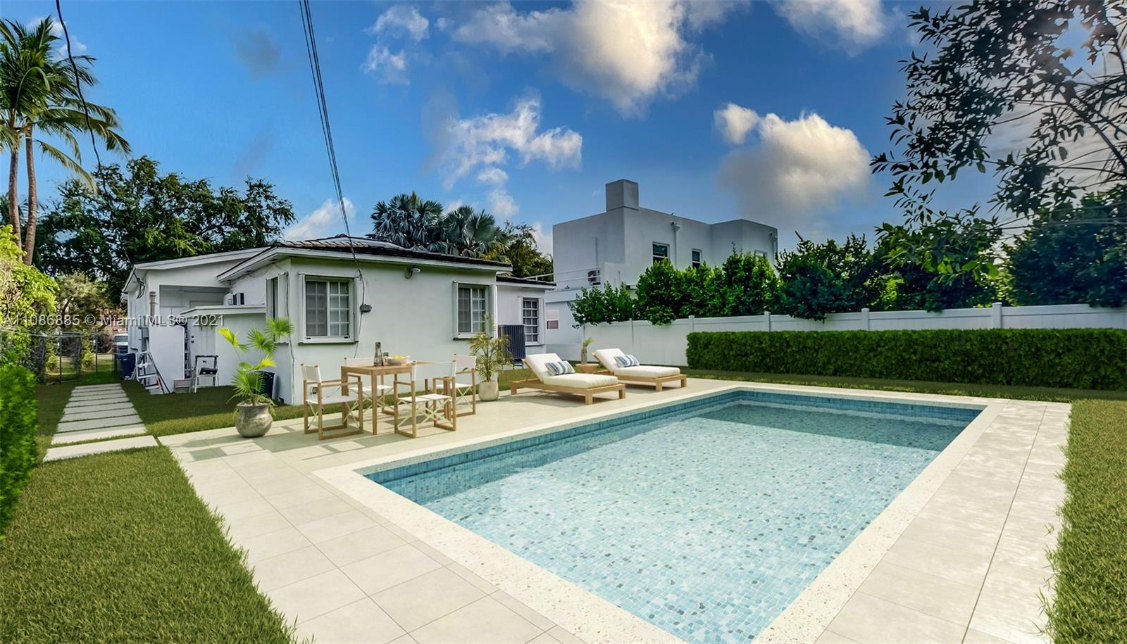 535 W 51st St  For Sale A11086885, FL