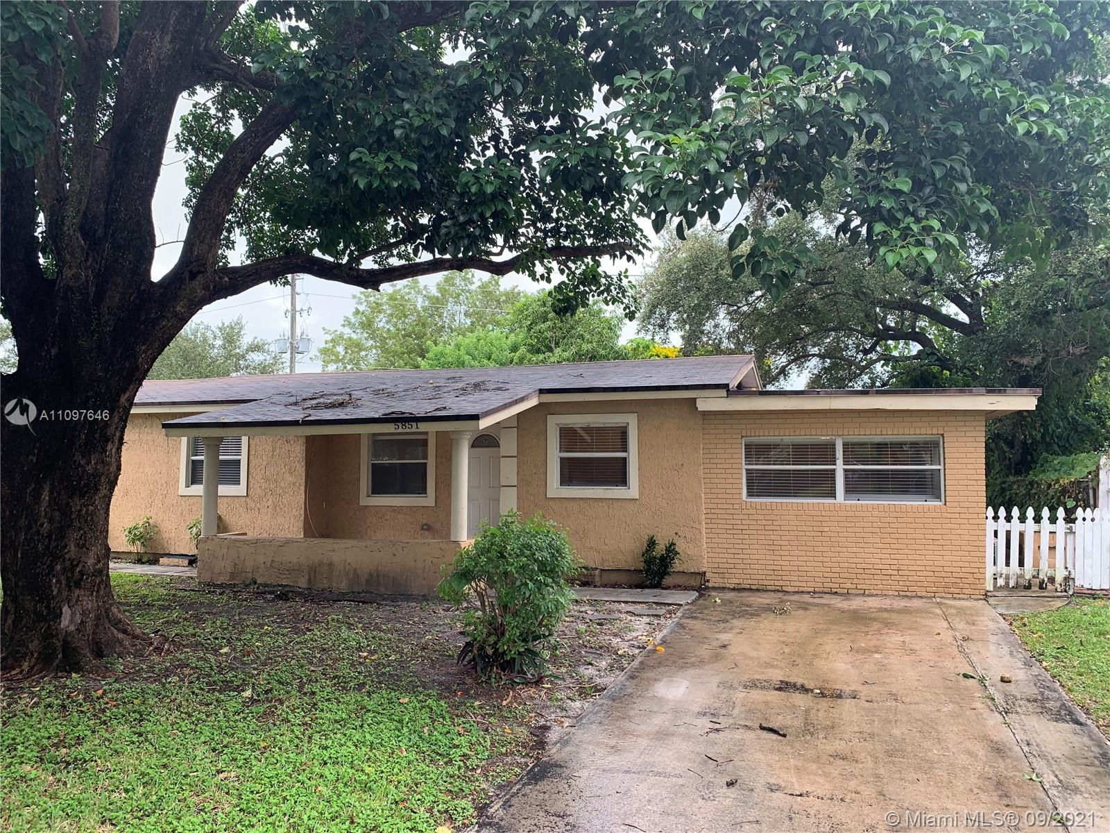 5851 SW 54th Ter  For Sale A11097646, FL