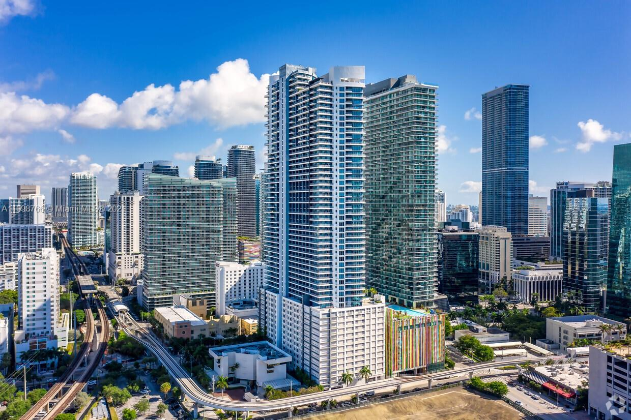 40 SW 13th St #604 For Sale A11098766, FL