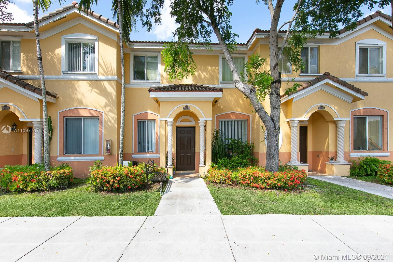 Beautiful 3 bedroom 3 bath lakeside townhome in the heart of Homestead. Gated community with 24 hour security. 2 pools, 2 lakes and 2 parking spaces. Located footsteps from shopping and biking. Homestead is thriving and this is your opportunity to enjoy all that it has to offer.