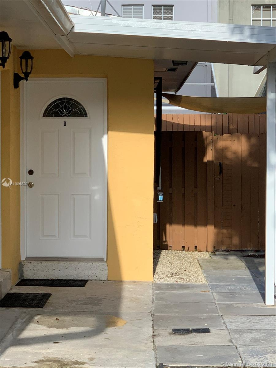 Private renovated 2bed 1bath duplex with washer, dryer, central air and new hurricane windows. Within walking distance  to restaurant, stores, supermarket and Biscayne parks and Marina. Great Back yard. No more than two Pets under 20lbs are allowed with security deposit.