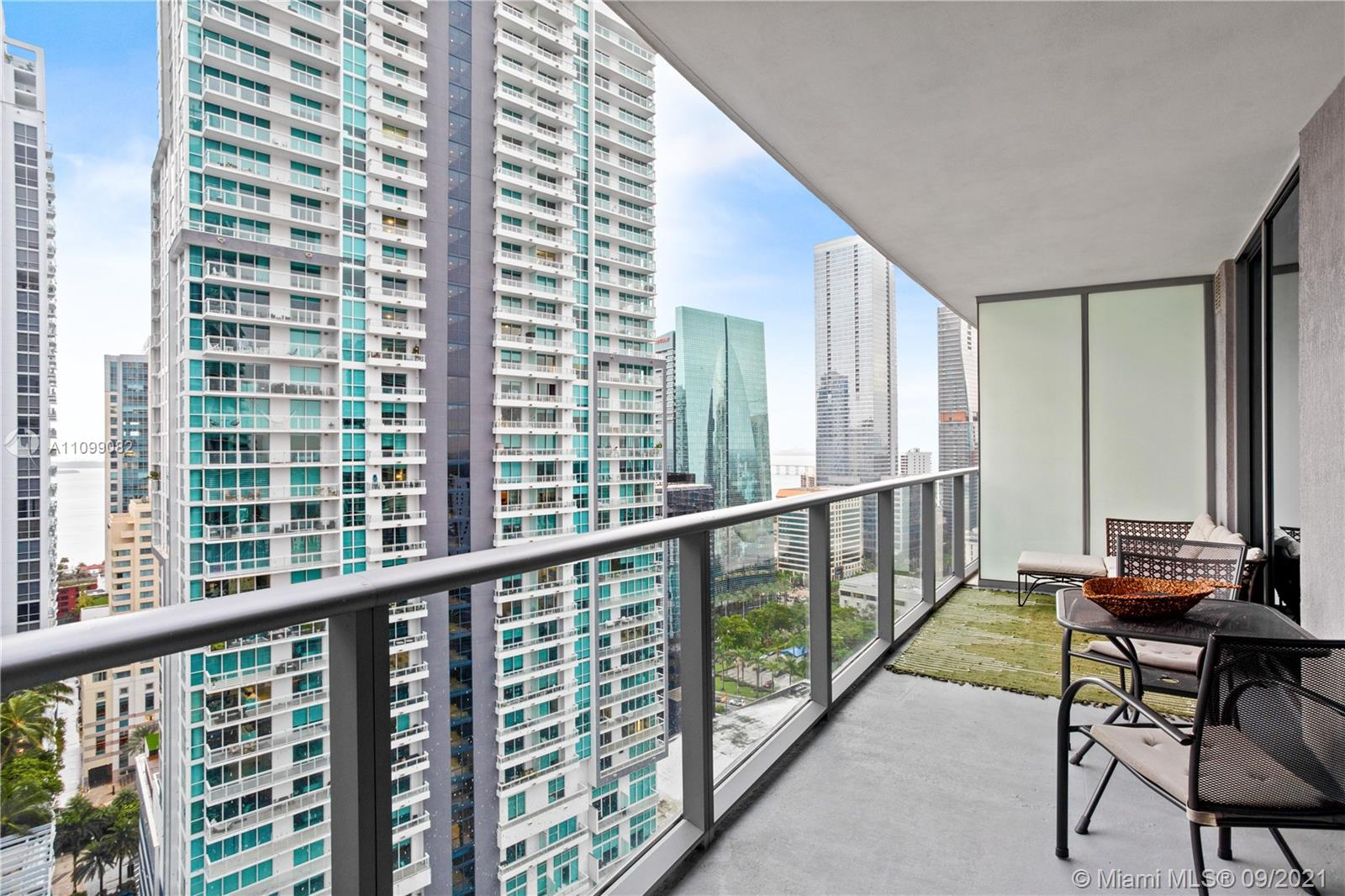 Millecento located in Brickell. Stylish 2Bed/2Bath and den, beautiful bay views. Fully open kitchen concept. Floor toceiling glass windows and sliding glass doors, washer/dryer in unit. Designer building offers great amenities 2 pools, one at the 9th floor and a rooftop pool with incredible views, hot tub, Lounge room, kids room, movie theater, fitness center, valet parking garage, and 24 hr. security guard. Walking distance to Mary Brickell Village, restaurants, shops, Brickell City Center and more. Move around with ease with the Metro mover and trolley just steps away from Millecento.
