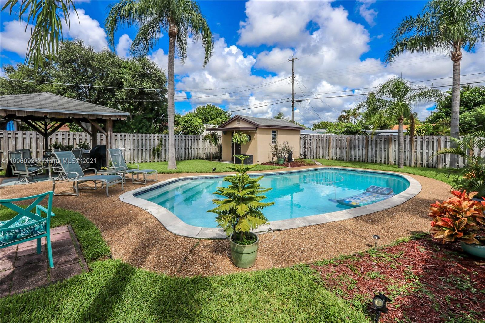 2507  Wilson St  For Sale A11096092, FL