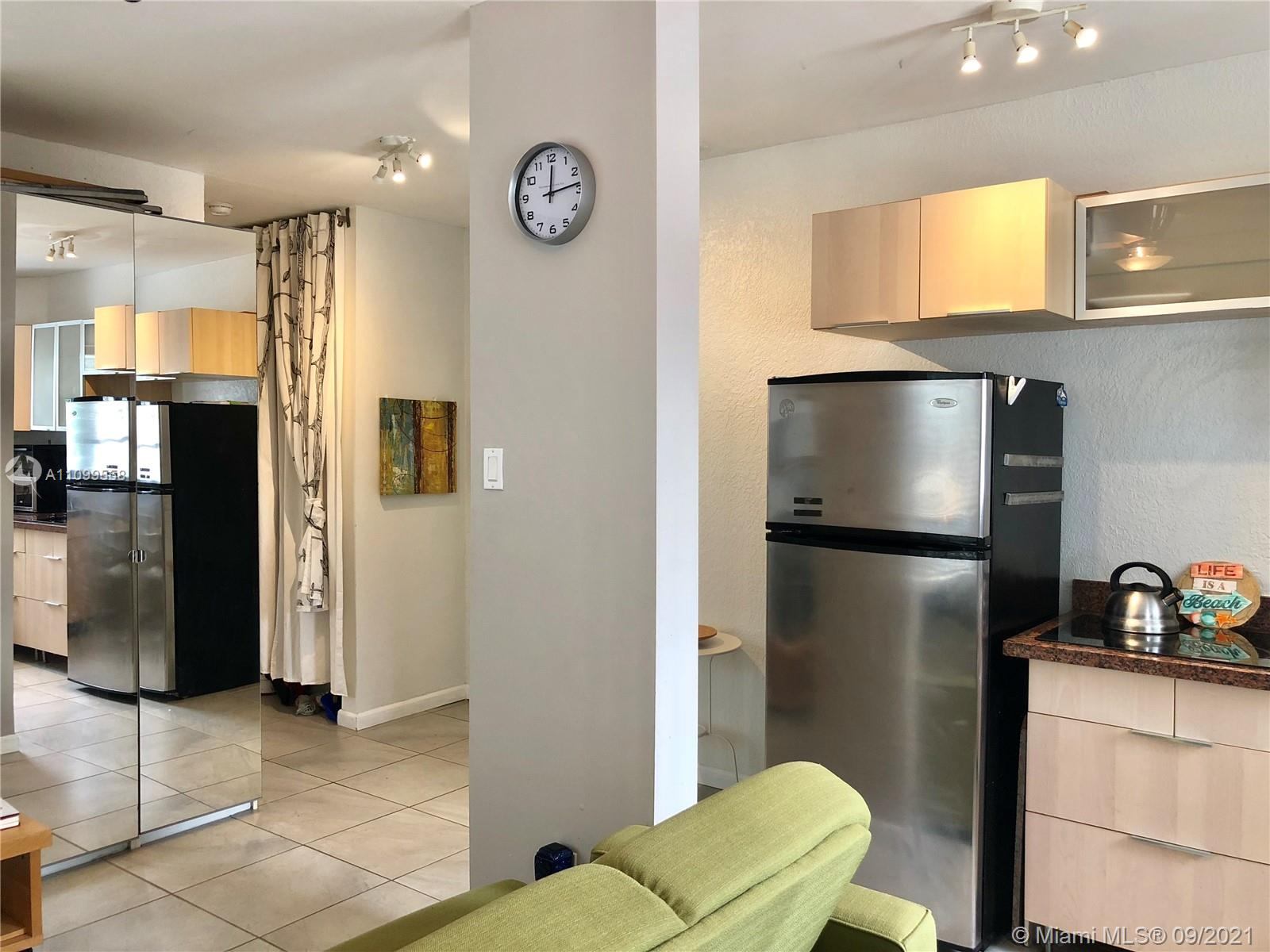 842  Meridian Ave #1E For Sale A11099558, FL