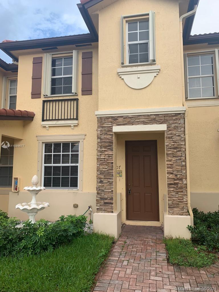 BEAUTIFUL TOWNHOUSE 2 MASTER BEDROOMS, LAKE VIEW, FRESHLY PAINTED, WASHER & DRYER, PATIO AND MORE. ENJOY THE COMMUNITY A GATED ONE. CLUBHOUSE & COMMUNITY POOL INCLUDED WITH A GYM, GREAT LOCATION!. WALKING DISTANCE TO SHOPS, RESTURANTS, MOVIE THEATERS & TURNPIKE.
