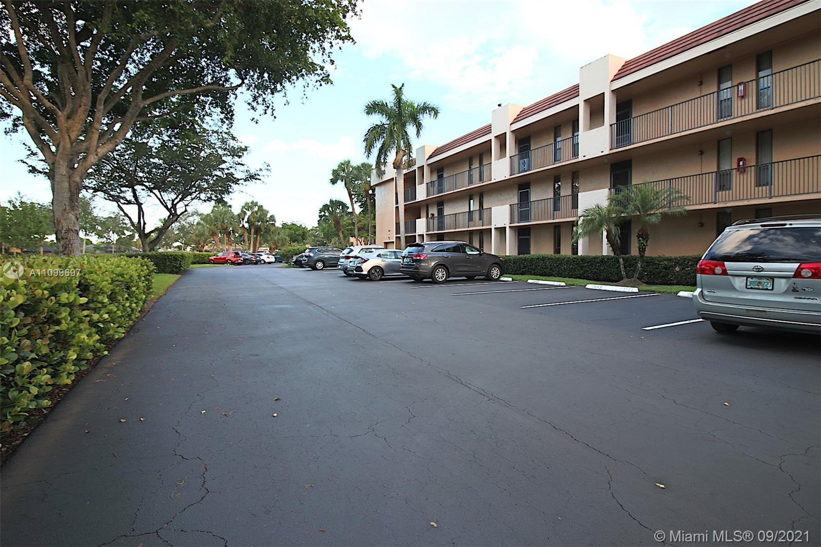 5606 Coral Lake Dr Unit 106, Margate, Florida 33063