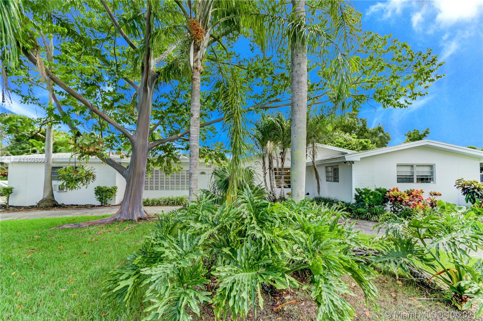 7840 SW 157th Ter  For Sale A11095099, FL